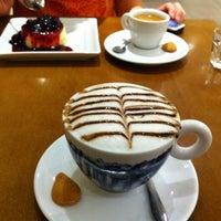 Photo prise au Marco Polo Gelateria & Caffè par Mariana P. le1/27/2013