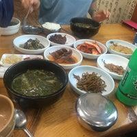 Photo taken at 철마밤나무추어탕 by 웅 (. on 9/17/2016