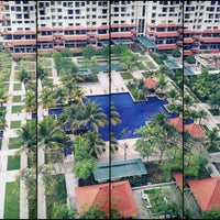 Photo taken at Swimming Pool @ Armanee Condo by Rinz P. on 7/16/2013