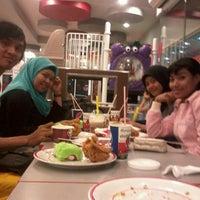 Photo taken at KFC by Ayu D. on 5/14/2013