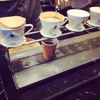Foto scattata a Blue Bottle Coffee da Christina C. il 6/20/2015