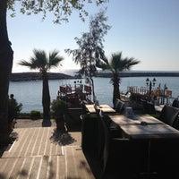 4/13/2013 tarihinde Ibrahim S.ziyaretçi tarafından Liman Restaurant Lounge Club'de çekilen fotoğraf