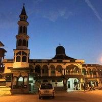 Photo taken at Masjid Tok Guru Pulau Melaka by Anis Amalina Azmi on 7/9/2016