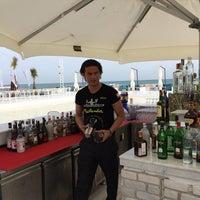 5/30/2014 tarihinde Selcuk S.ziyaretçi tarafından Beach Lounge'de çekilen fotoğraf