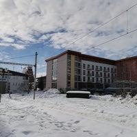Photo taken at Železničná stanica Štrbské Pleso by Kubes on 3/9/2018
