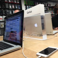 Photo taken at Apple Bahnhofstrasse by Sultan F on 7/1/2013