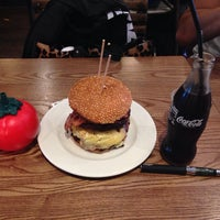 Photo taken at Gourmet Burger Kitchen (Cambridge) by Miguel Andres N. on 9/28/2013