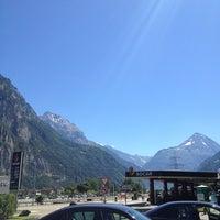 Das Foto wurde bei Gotthard Raststätte von Rado S. am 8/1/2013 aufgenommen