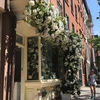 Foto tirada no(a) Bleecker Street por Andrea M. em 5/25/2018
