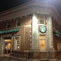 รูปภาพถ่ายที่ Starbucks โดย Anthony D. เมื่อ 3/10/2013