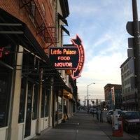 Foto tirada no(a) Little Palace por Lisa R. em 2/12/2013