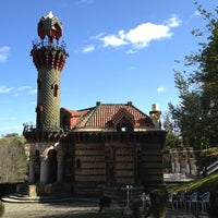 Foto tomada en El Capricho de Gaudí por Esther F. el 3/19/2013