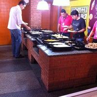 Foto tirada no(a) Sr Glutton Restaurante e  Pizzaria por Geraldo S. em 1/18/2013