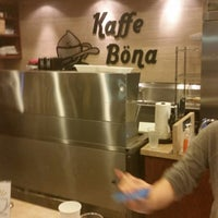 Das Foto wurde bei Kaffe Bona von Chandler P. am 11/22/2014 aufgenommen