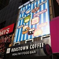 Снимок сделан в Roastown Coffee пользователем Michael Y. 12/20/2012
