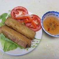 Photo taken at Saigon Deli by Hang h. on 1/13/2013