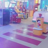 Photo taken at Funky Park & Bowling by Fatmanur G. on 10/25/2017