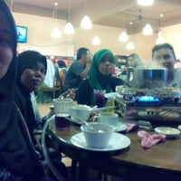 Photo taken at Mak Engku Steamboat & Grill by Norazila A. on 8/29/2014