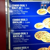 Photo taken at Domino's Pizza by Maxwilliana S. on 4/7/2013