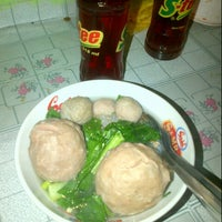 Photo taken at Bakso Kantor Pos by Wida Fitri Y. on 9/1/2014