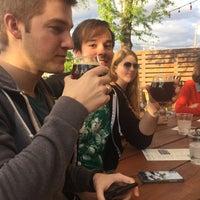 4/22/2018 tarihinde Maggie S.ziyaretçi tarafından Cold Beer Company'de çekilen fotoğraf