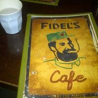 รูปภาพถ่ายที่ Fidel's Cafe โดย Alli A. เมื่อ 11/1/2012