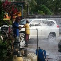 Photo taken at Jaya Car Wash by Neng R. on 10/29/2012