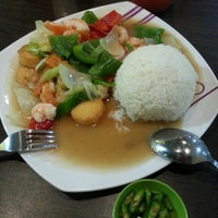 Photo taken at Solaria by Neng R. on 10/25/2012