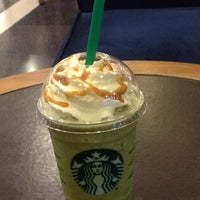 Photo taken at Starbucks by 유이 조. on 2/5/2013