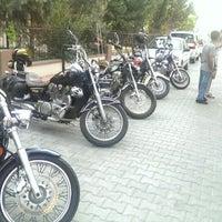 Photo taken at Mersin Türk Riders Kulüp Evi by Cemil B. on 9/18/2014