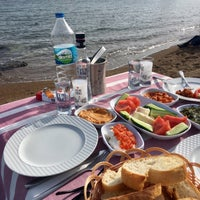 Photo taken at ornek koy yakomoz plaj by Efe Durmuş Ç. on 5/8/2017