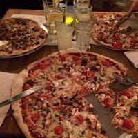 Das Foto wurde bei Emma's Pizza von Harrolf H. am 1/17/2014 aufgenommen