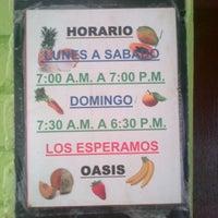 Photo taken at Oasis: Jugos y Licuados by Benjamin M. on 4/20/2013
