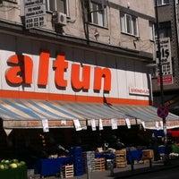 Photo prise au Altun market Şirinevler par 🇹🇷Sezgin🇹🇷 le7/14/2014
