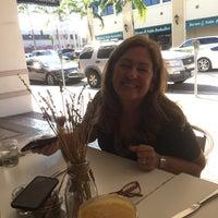 Foto tomada en Threefold Cafe South Miami por Alex G. el 12/22/2017