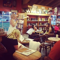 Photo taken at Upstart Crow Bookstore & Coffeehouse by Melody L. on 6/2/2013