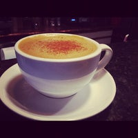Снимок сделан в The Conservatory for Coffee, Tea & Cocoa пользователем Melody L. 10/6/2012