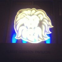 Foto tomada en LMU - Gersten Pavilion por Melody L. el 1/13/2013