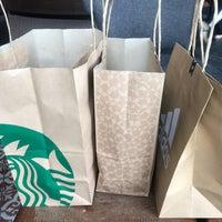 Photo taken at Starbucks by Pipat S. on 9/30/2017