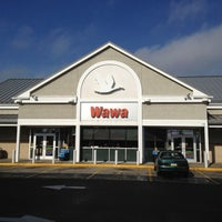 Photo taken at Wawa by R on 11/12/2012