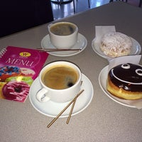 Photo taken at Yum Yum Donuts by Yana H. on 3/7/2014