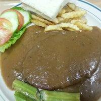Photo taken at Tiffany Vegetarian Food by Ng T. on 10/21/2013