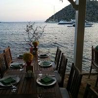 Photo prise au Karafaki Restaurant par Ata. E. le6/29/2013