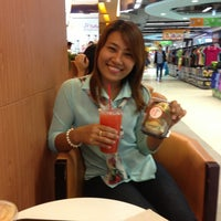 Photo taken at Mister Donut by Onuma P. on 6/22/2013