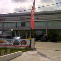 Photo taken at Honda Soekarno Hatta by Nawi S. on 11/16/2013