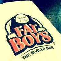 Das Foto wurde bei Fat Boy's The Burger Bar von Zuyi am 1/9/2013 aufgenommen