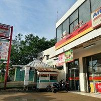Photo taken at Alfa Mart Gunung Sindur 3 by Harry H. on 8/13/2013