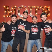 Foto tomada en Mou's Original Bar B Que por Mou's Original Bar B Que el 10/27/2017