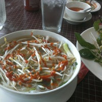 Photo taken at Hoa Bien Vietnamese Restaurant by Hoang T. on 7/24/2014