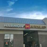 Photo taken at Harmon Auto Glass by Hoang T. on 7/25/2013